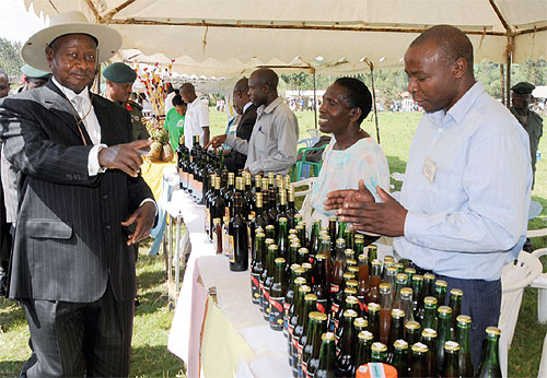 Arrest traders who buy wet coffee beans – Museveni